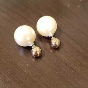 Gold studs w/ large pearl backs